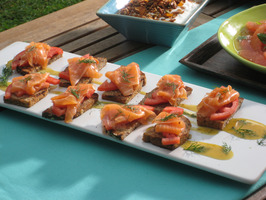 CCBAB111L_Smoked-Salmon-Toasts_s4x3_al