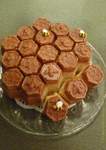 Honeycomb cake image